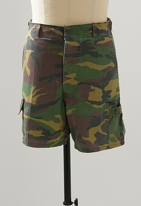 USED UNKNOWN CAMOFLAGE SHORTS